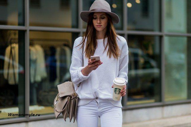Белые джинсы: почему они особенно модны этой зимой?