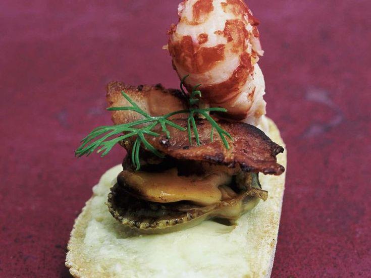 Découvrez la recette Brochette de pétoncle, queue d'écrevisse et lard grillé sur cuisineactuelle.fr.