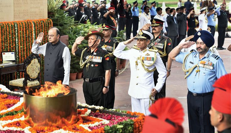 India Remembers Kargil War Martyrs #Siliconeer #Tribute #KargilWar #KargilWarMemorial #KargilVijayDiwas #IndianArmy #NewDelhi http://siliconeer.com/current/india-remembers-kargil-war-martyrs/