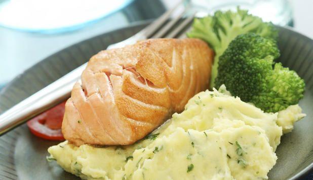 Stekt laks med potetmos - Godfisk