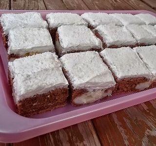 Diós nyolcas - kelt sütemény, ami egyszerre ropogós és krémes