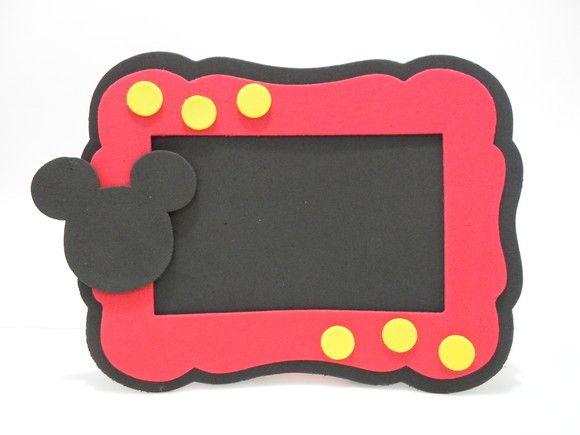 Porta Retrato Mickey Mouse em EVA Para foto 10 x 15 - Área visível 8 x 13  PEDIDO MINIMO: 10 UNIDADES.Acima de 50 Unidades, desconto de 10% (para depósito Bancário)  CORES PODEM SER ALTERADAS CONFORME SUA FESTA  POR FAVOR SÓ FAÇA O PEDIDO SE TIVER CERTEZA DA COMPRA.  Fazemos outros temas  contato: michelleevart@gmail.com R$4,80
