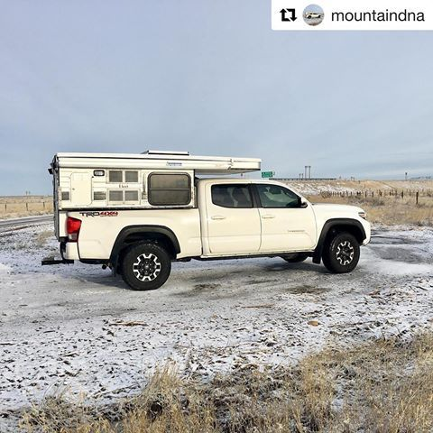 Repost @mountaindna ・・・ Pit stop! Icy road conditions on