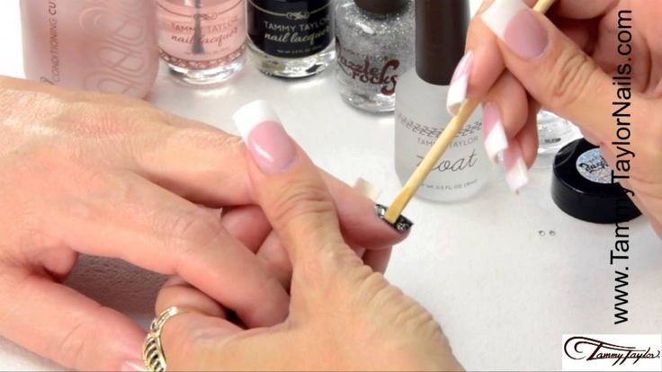I will be demonstrating for you one of the fastest and easiest ways to Dazzle Up your nails; Dazzle Fade Using Dazzle Rock Nail Polish. And this procedure is so versatile it can be done over natural nails, nail polish, gel and acrylic.