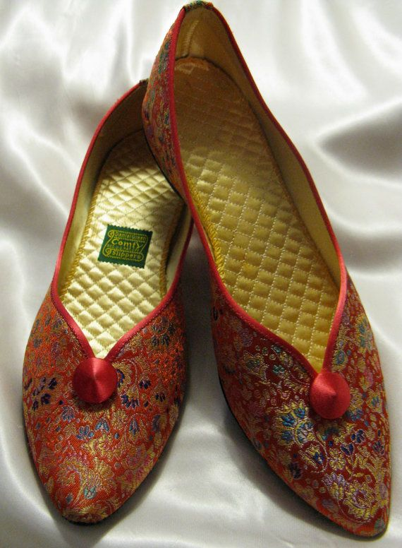 Vintage 60s Floral Embroidered Daniel Green Comfy Slippers with Quilted  Insoles  Tangerine Pink  Size 6 1 2. 17 Best images about Vintage Houseshoes   Slippers on Pinterest