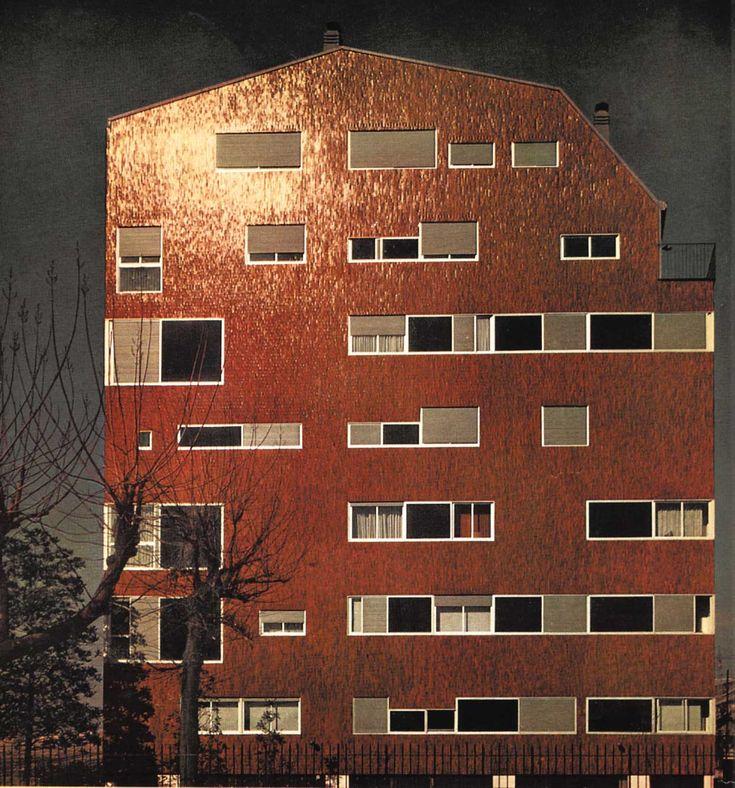 Luigi Caccia Dominioni, casa in piazza Carbonari, Milano