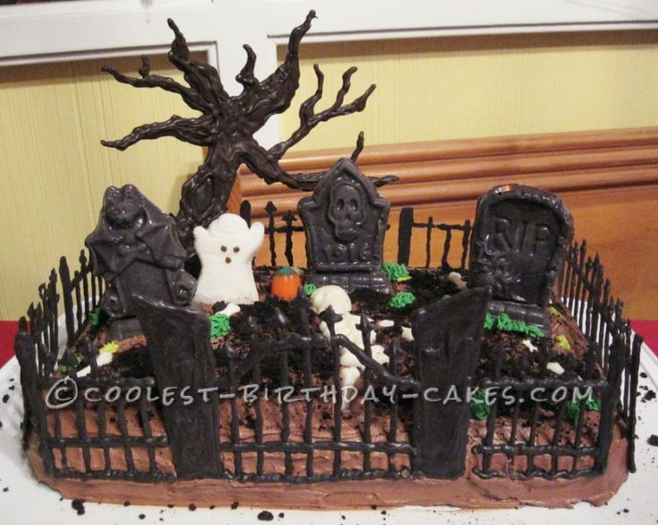 Coolest Spooky Graveyard Cake...