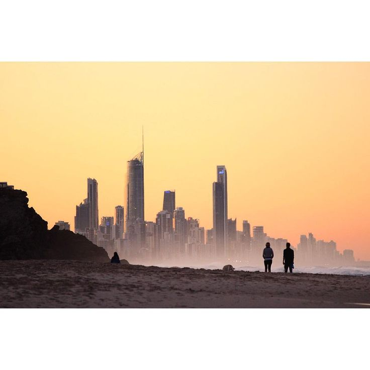 "@daniriegophoto  on Instagram: ""Walking surprises in a beauty sunset. #sunset #australia #photo #wintertime #goldenhour #daniriegophoto #goldcoast #australia @super_sunset @moregoldcoast @visitgoldcoast @ig_australia__ @amazing_australia_ @australia @visitsurfersparadise @instagood"""