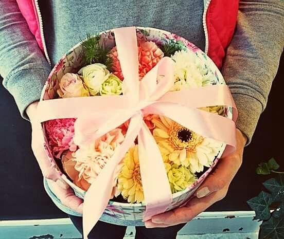 #valentines #kwiaciarniaszczecin #szczecin #flowergfits #flowerbox #gifts #rosse #walentynki2017 #randka #prezenty