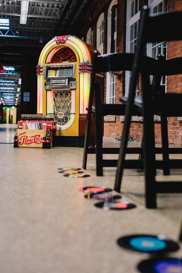 It s guitars amp; malt shop love at this retro diner-themed wedding It s guitars amp; malt shop love at this retro diner-themed wedding Rockabilly Wedding, Rockabilly Pin Up, Edgy Wedding, Our Wedding, Event Themes, Event Decor, Wedding Color Schemes, Wedding Colors, Retro Diner