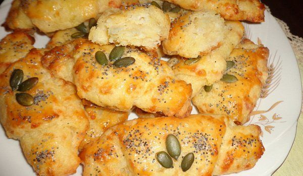 Солени картофени кифлички - изпитана рецепта. Как да приготвим Солени картофени кифлички. Прочети тук цялата рецепта.