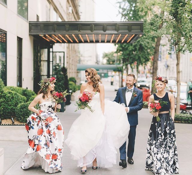 Are you following @theknotfashion yet? Our newest Instagram account offers an endless stream of wedding day fashion inspo, no matter your style. Check it out (and follow!) for more fashion ideas like this. 👗 #theknot 📷: @joelinny I Bride's Dress: @alvinavalenta I Bridesmaid Dresses: @camillelavie  Instagram Profile: @theknot  Source/Origem: https://www.instagram.com/p/BW_IxPqAI58/