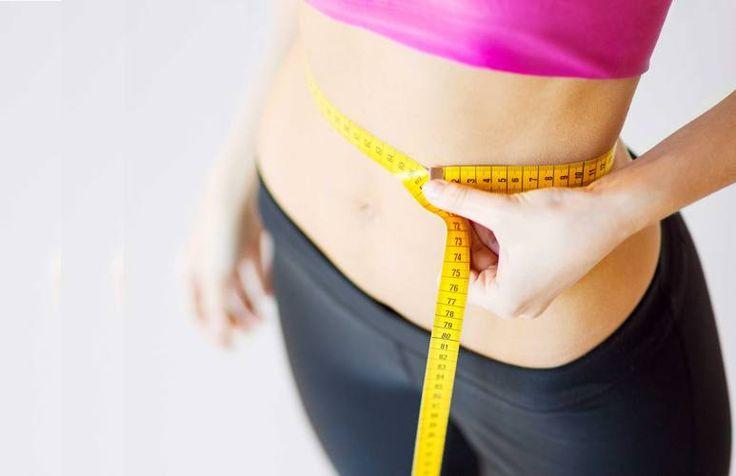 Cinque esercizi per eliminare il grasso nei fianchi e negli addominali dell'uomo e della donna
