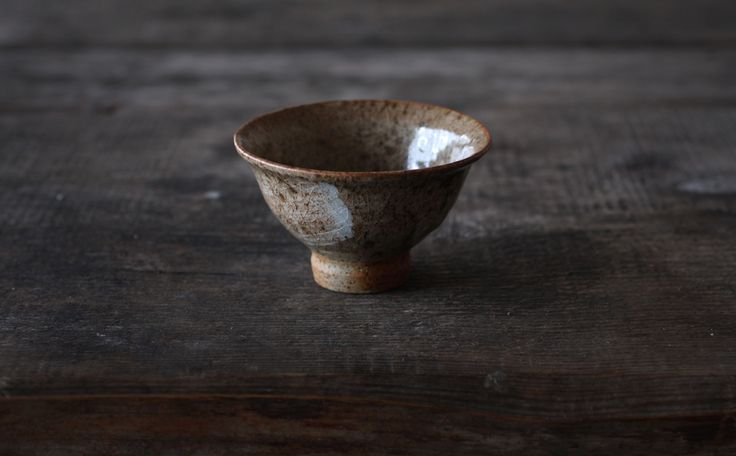 Hakeme slip under cristallized glaze - teabowl by Jyrki Repo Ceramics.