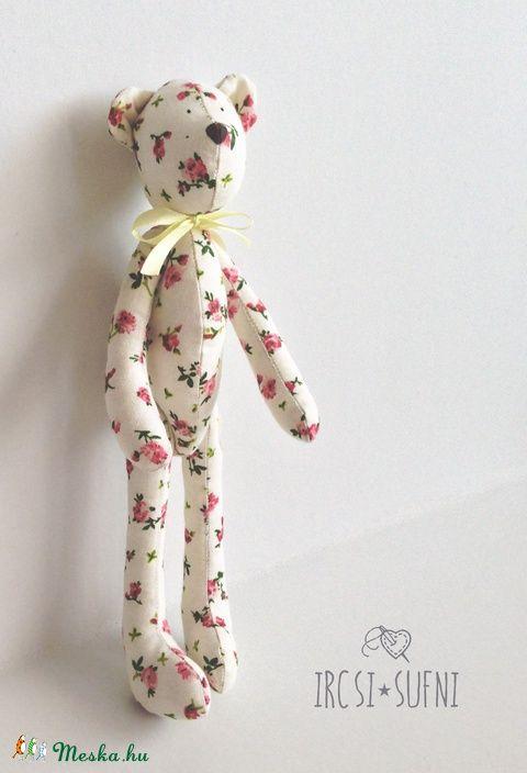 Meska - Romantikus virágos mackó ircsisufni kézművestől