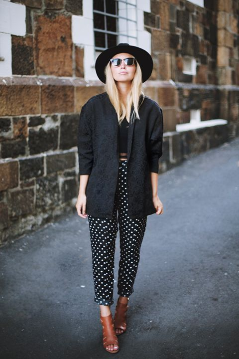The hat and the loose pants. Great style for summer.