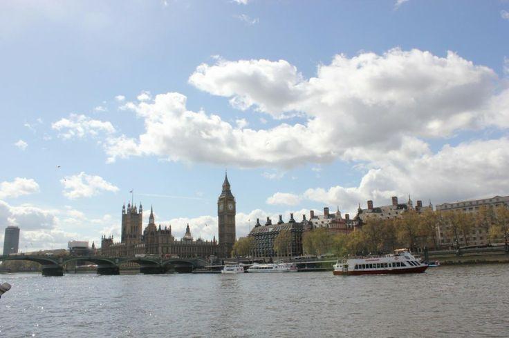 Primavera. Palácio de Westminster. Rule, Britannia! Britannia, rule the waves!