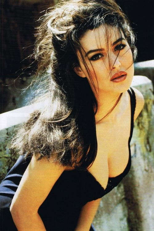 style-beauty-passion:  Monica Bellucci will always be in style.