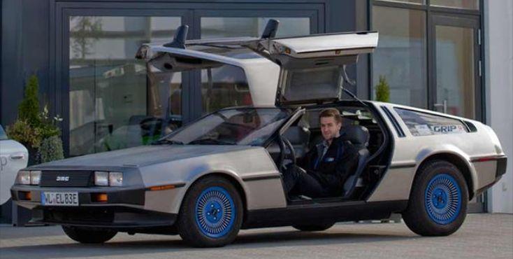 Autos zum Stromer machen!? Ecap Mobility setzt filmische Fiktion in Realität um: im Kofferraum eines De Lorean stapeln sich Akku-Packs. Sie treiben zwar keine Zeitmaschine an wie in dem Science-Fiction-Streifen aus den 1980ern, lassen dafür aber das Kultauto umweltfreundlich durchstarten: Umrüsten als Geschäftsmodell!
