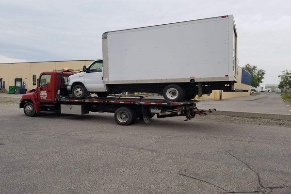 Why contact a reputed towing company for emergency towing services? | Towing  service, Roadside assistance, Towing company
