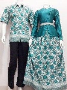 Toko Batik Bagoes Online Model Gamis Batik Sarimbit Kode SRG81 Call Order : 085-959-844-222, 087-835-218-426 Pin BB 23BE5500, 2BB291FD Model Gamis Batik Sarimbit Kode SRG81 Harga Rp.200.000.- Bahan :Semi Sutera Prodo Ukuran Pria : M L XL Wanita Allsize LD 100cm