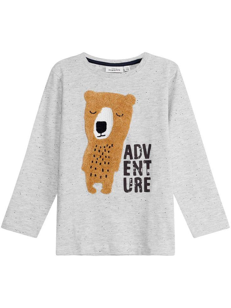 T-shirt z długimi rękawami, z miękkiej mieszanki bawełny. Wzorzysty w małe kropki, z motywem misia z puszystej tkaniny i z łatami na łokciach. – Prosty fason– Okrągły dekolt– Długie rękawy– KappAhl jest członkiem organizacji Better Cotton Initiative...