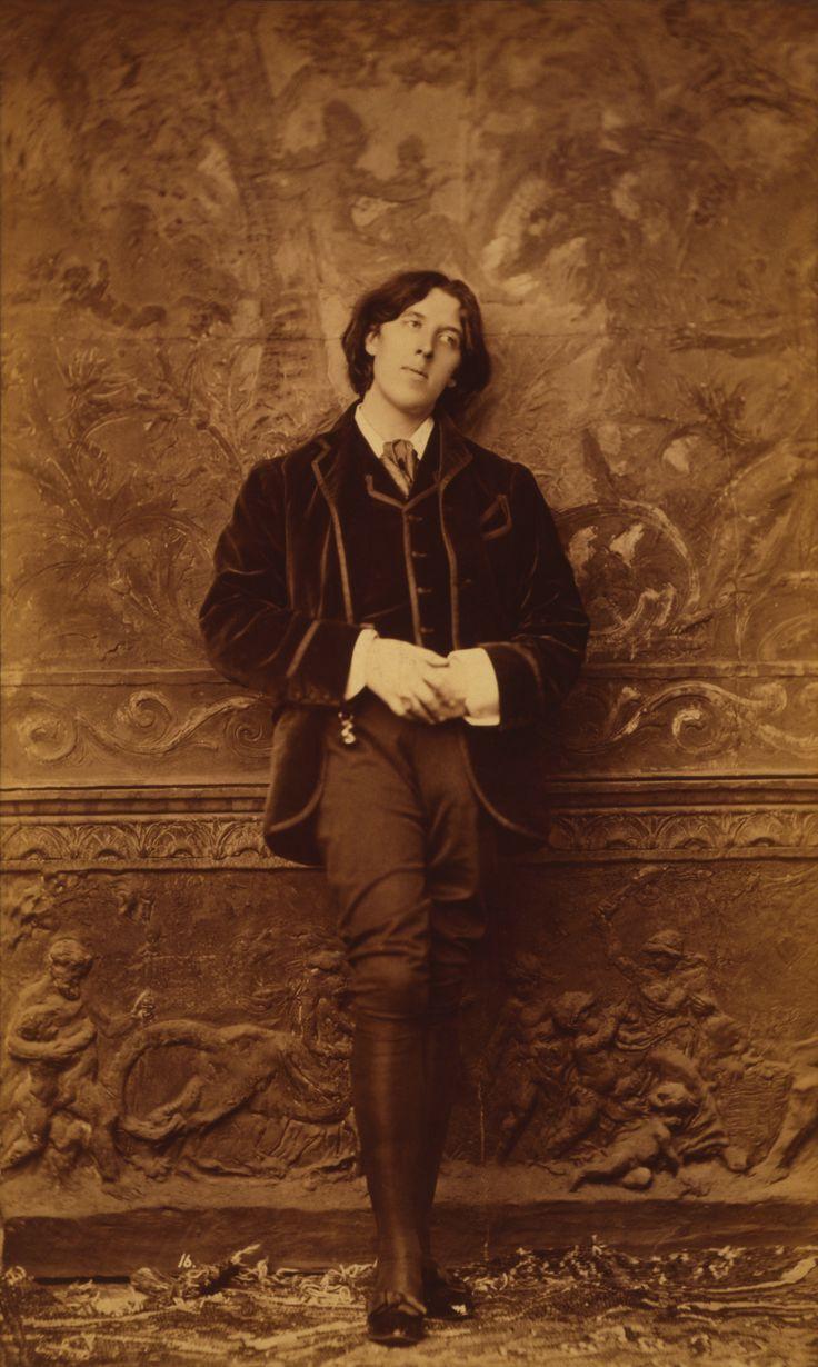Aniversario del nacimiento de Oscar Wilde en 1854: «Los tontos siempre preguntan cosas que los sabios no pueden responder» (imagen tomada por el litógrafo estadounidense Napoleon Sarony en 1883). http://www.veniracuento.com/