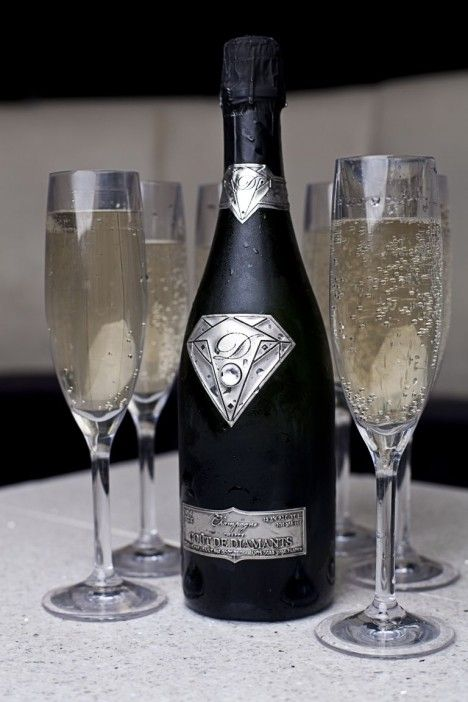 The Goût de Diamants Brut Diamond champagne has a logo of 18k solid white gold, that features a 19-carat flawless diamond, and an 18K gold label. $1.56 Million