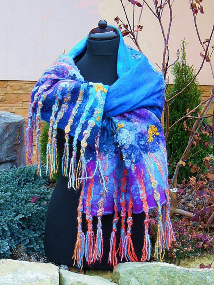 handmade felt shawl (merino wool, Noro) by Agata Gadek - www.manufakturaubioru.decoart.pl