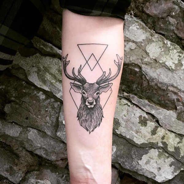 Tatuaż Jeleń Znaczenie Historia 60 Zdjęć Pomysł Na Tatuaż