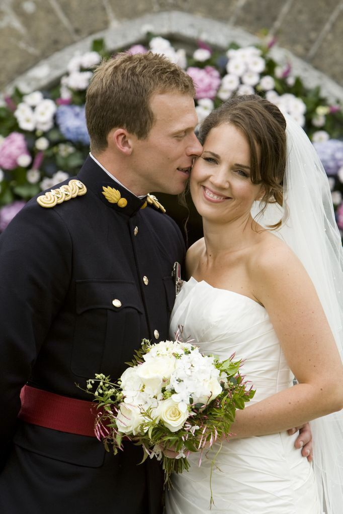 Wedding kiss,Military Weddin,Officer and his Bride.