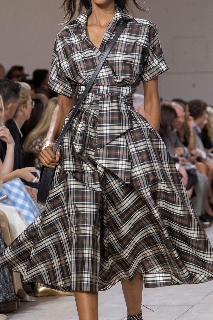 213 details photos of Michael Kors at New York Fashion Week Spring 2015.