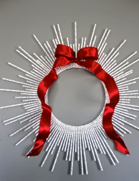 A paper straw sunburst wreath is an inexpensive and adorable way to decorate for…
