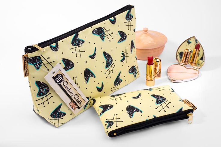 look what you could win http://www.retrochick.co.uk/2014/12/03/a-make-up-wash-bag-twin-set-from-20th-century-cloth/