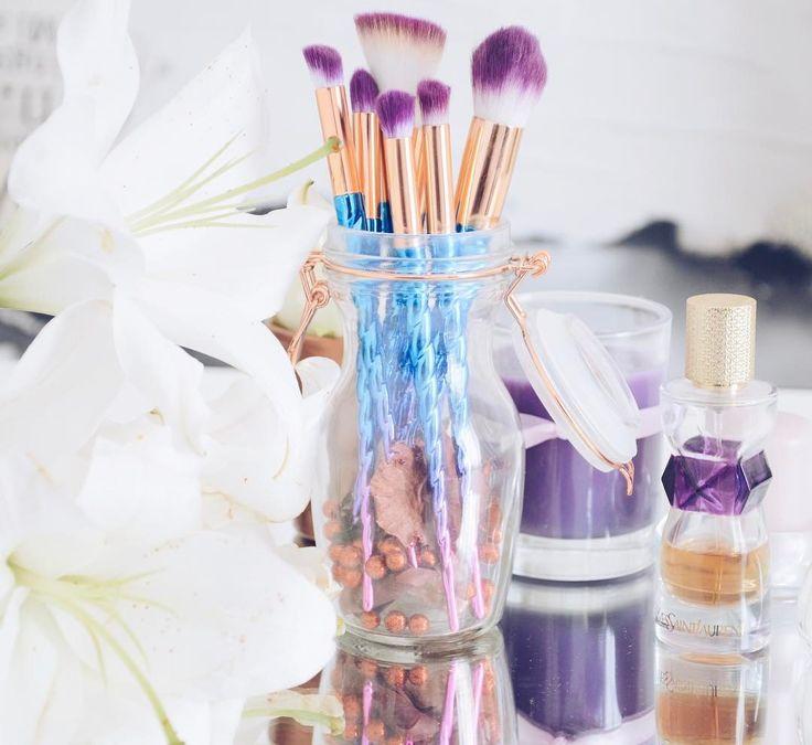 Pinceaux licorne Aliexpress, Bougie, Parfum Yves Saint Laurent Manifesto
