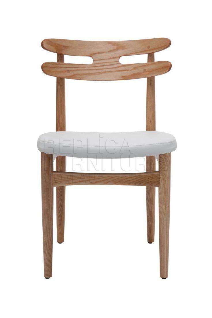 marineblauer stuhl und eine h lfte m belideen. Black Bedroom Furniture Sets. Home Design Ideas