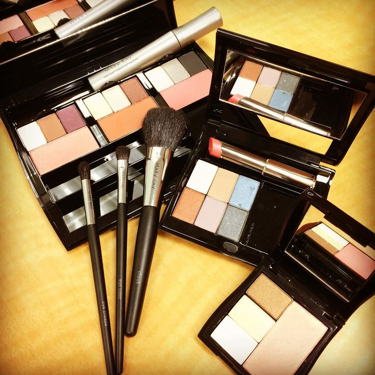 """What is your """"go to"""" Mary Kay compact? http://www.marykay.com/lisabarber68 Call or text 386-303-2400"""