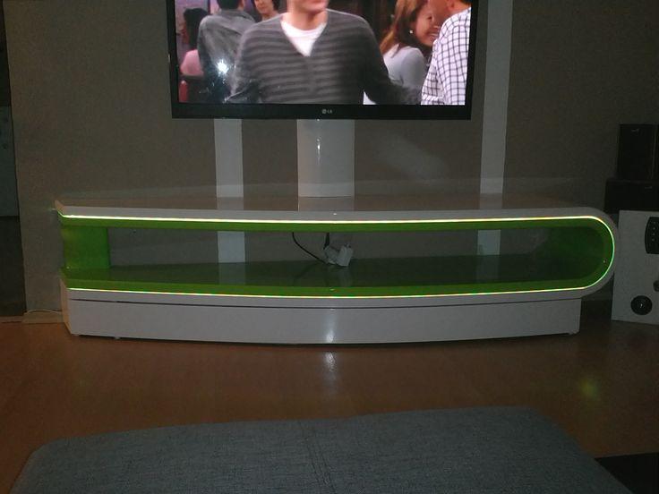 TV stolek