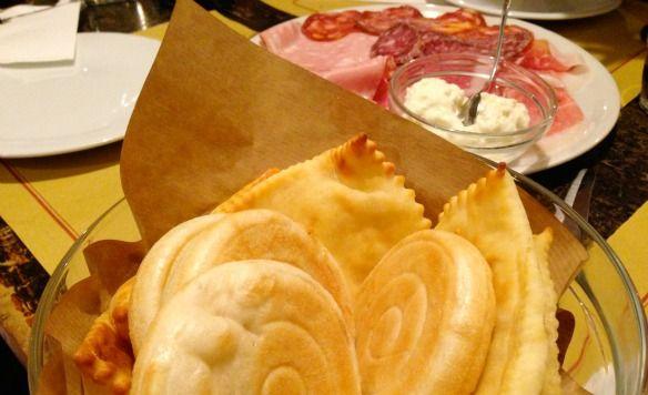 "Gnocco Fritto in Bologna - ""Bologna für Genießer: 5 Highlights"" by @Travel on Toast"