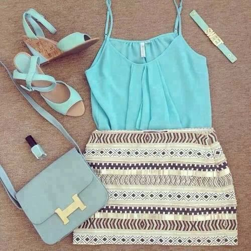 Blue strappy top and high heels with golden striped beige skirt ♥ Pinterest : Elisa Gyn