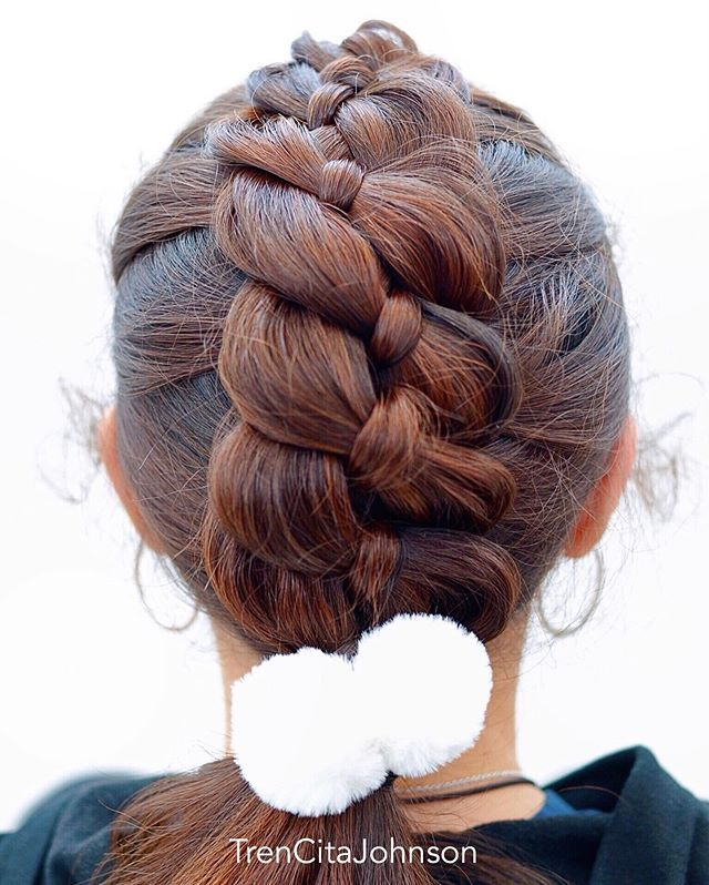 Big 4 Strand Dutch Braid The Special Thing About This Braid Is That Both Sides Are Laying On Top Of The In 2020 Hair Styles Hair Braid Videos Weave Hairstyles Braided