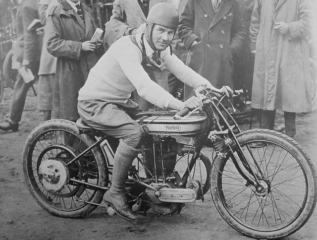 Vintage Harley Davidson Motorcycle Photos