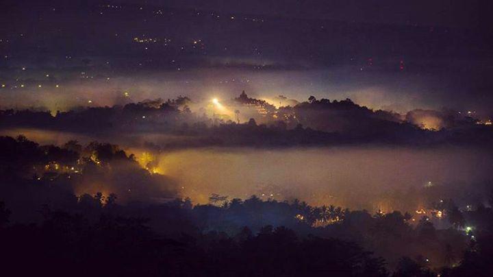 Punthuk Setumbu Nirwana Sunrise, Malam Hari