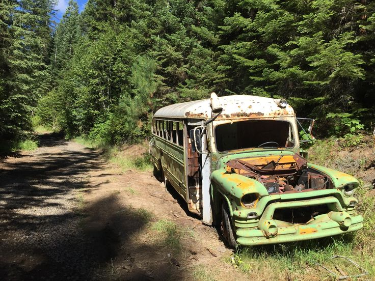 An old forest service bus in the Idaho Wilderness [3264x2448] [OC]
