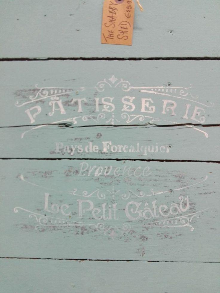 Vintage Luik. Breed 50 - Hoog 58. Gedaan met Annie Sloan Chalk Paint Provence en afgewerkt met Vintage sjabloon.