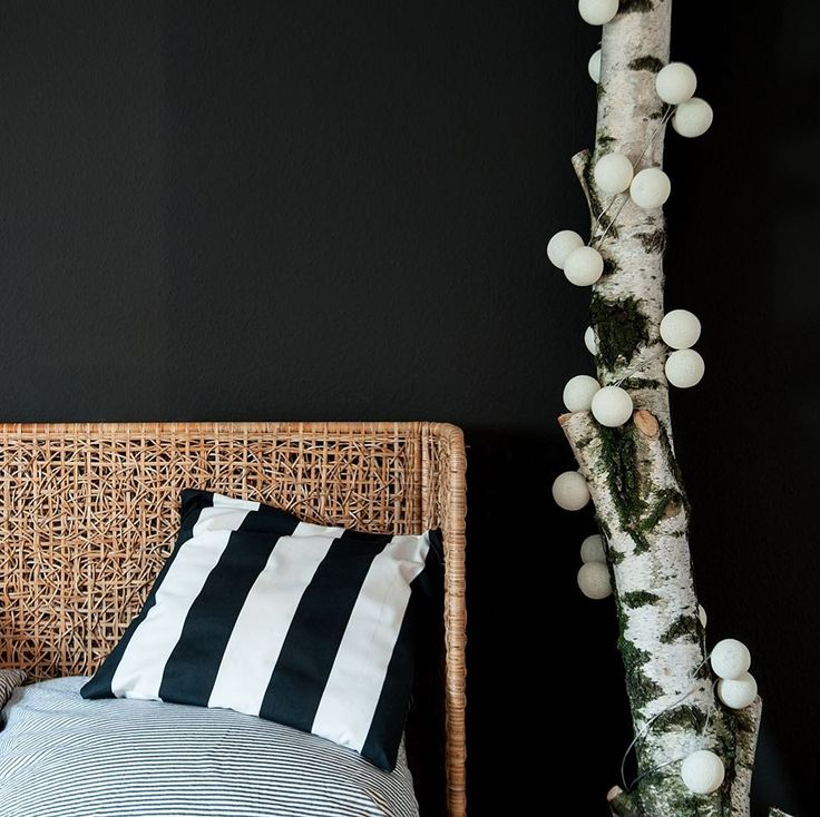 Black & White bedroom moods on this rainy day! #goodmoods #blackandwhite #scandinavian #interior #design #bed #bedroom #cozy #living #pillows #home #black #white #birke #decoration #schlafzimmer #lichterkette #stringlights #cottonballs #thursday #morning #mood #rainy #day #summer #2017