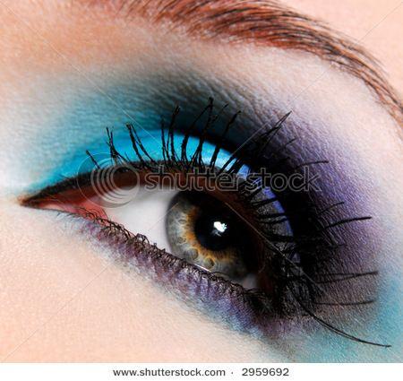 blueeeee: Colors Combos, Modern Fashion, Eye Shadows, Makeup Ideas, Blue Eye Makeup, Makeup Looks, Eyeshadows, Eye Make Up, Eyemakeup