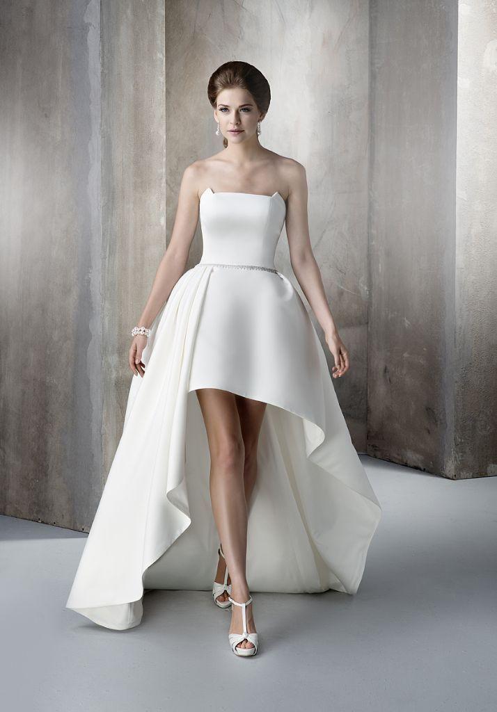Beautifull Wedding Dress Size 10 12 United Kingdom Gumtree Weddingdressesgumtree Wedding Dress Size 10 Wedding Dress Sizes White Strapless Wedding Dress