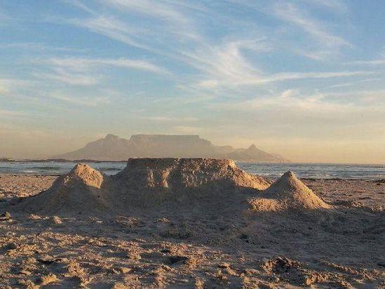 Table Mountain sand castle - Blouberg beach - Cape Town. #sandcastle #TableMountain