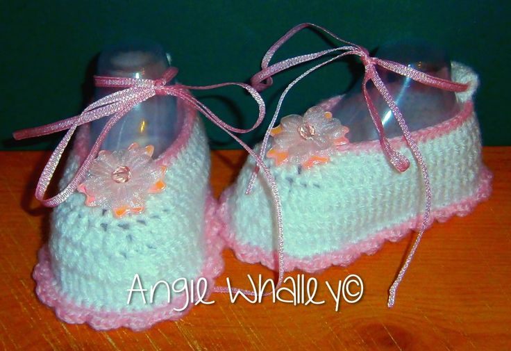 baby shoes for my daughter's best friend :)